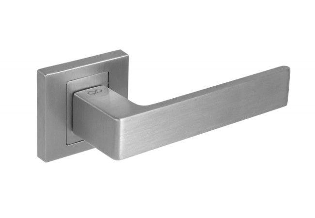 Klamka drzwiowa INFINITY APOLLO KAO M700 z rozetą kwadratową chrom/matowy