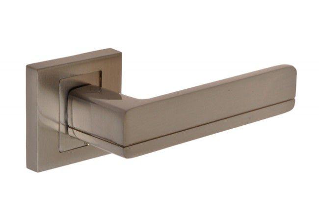 Klamka drzwiowa INFINITY PLATON KPL 300 rozeta kwadrat satyna