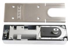 Samozamykacz podłogowy GEZE TS 500N  z blokadą 90 stopni (siła EN 3) i z pokrywą TS 500 N/NV ze stali nierdzewnej(kpl.)