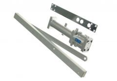 Zamykacz drzwiowy 103 (45-65kg) z ramieniem srebrny